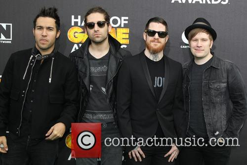 Pete Wenz, Joe Trohman, Andy Hurley, Patrick Stump and of Fall Out Boy 1