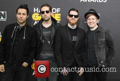Pete Wenz, Joe Trohman, Andy Hurley, Patrick Stump and of Fall Out Boy 3