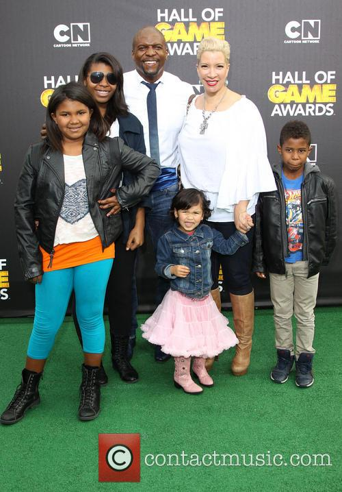 Terry Crews, Rebecca King-crews, Azriel Crews, Naomi Burton-crews, Isaiah Crews and Tera Crews 4