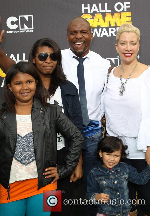 Terry Crews, Rebecca King-crews, Azriel Crews, Naomi Burton-crews, Isaiah Crews and Tera Crews 1