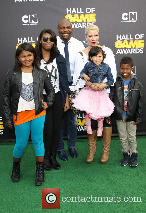 Terry Crews, Rebecca King-crews, Azriel Crews, Naomi Burton-crews, Isaiah Crews and Tera Crews 5