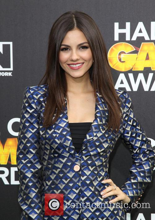 victoria justice cartoon networks hall of game 4069742