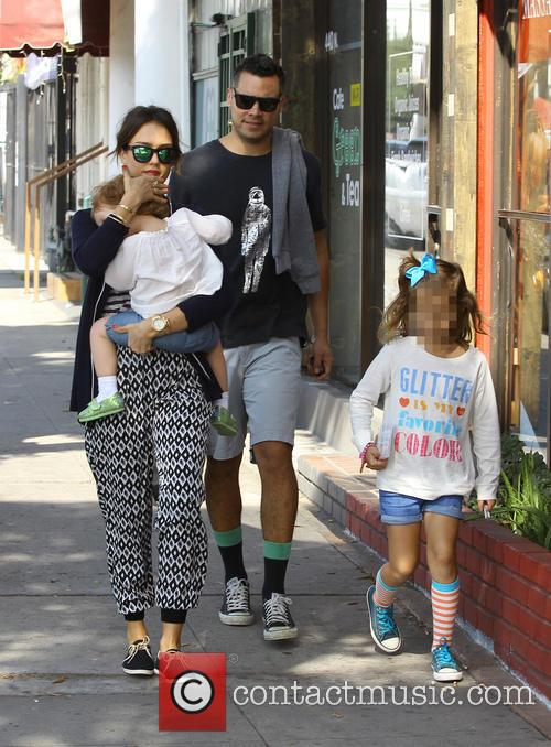Jessica Alba, Cash Warren, Haven Warren and Honor Warren 7
