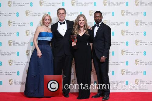 Gillian Anderson, David Oyelow, Jennifer Lee and Chris Buck 7