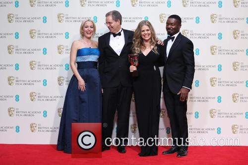 Gillian Anderson, David Oyelow, Jennifer Lee and Chris Buck 8