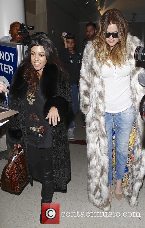 Khloe Kardashian and Kourtney Kardashian 2