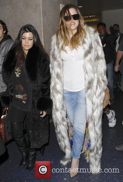 Khloe Kardashian and Kourtney Kardashian 6