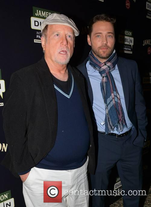 Richard Dreyfuss and Jason Priestley 4