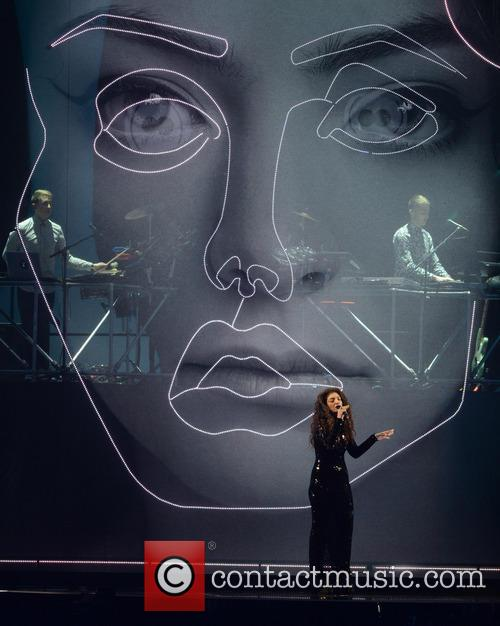 Lorde and Disclosure 3