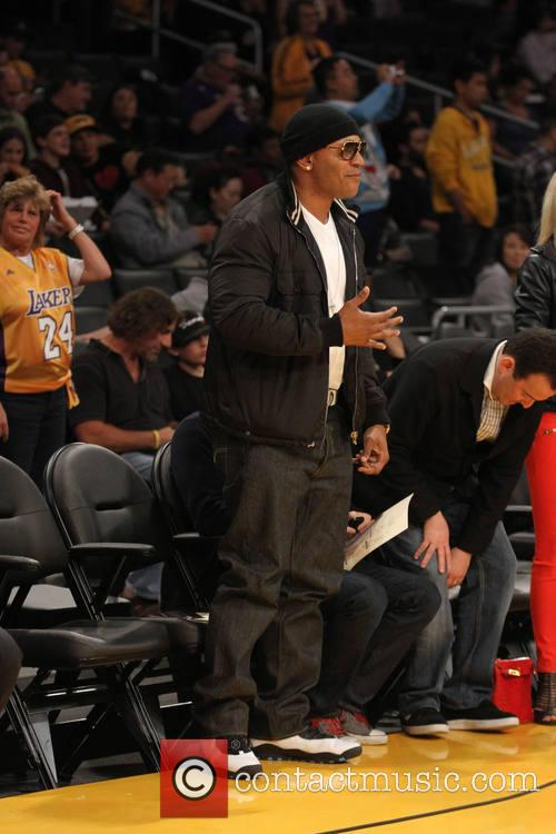 ll cool j celebrities at the lakers 4078369