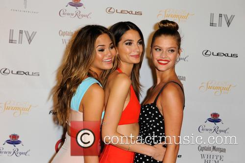 Models Chrissy Teigen, Lily Aldridge and Nina Agdal 4
