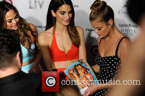 chrissy teigen lily aldridge and nina agdal club si 4078757