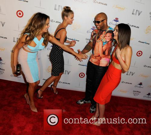 Chrissy Teigen, Nina Agdal, Flo Rida and And Lily Aldridge 9