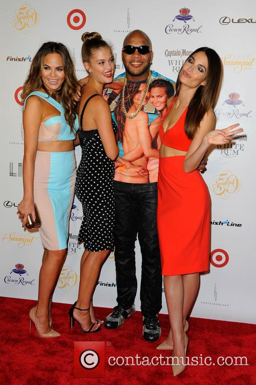 Chrissy Teigen, Nina Agdal, Flo Rida and and Lily Aldridge 6