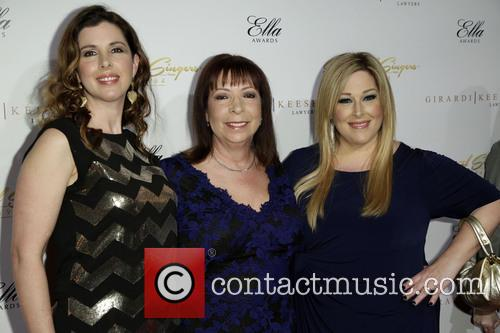 Wendy Wilson, Marilyn Rovell and Carnie Wilson 4