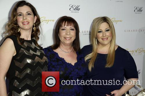 Wendy Wilson, Marilyn Rovell and Carnie Wilson 5