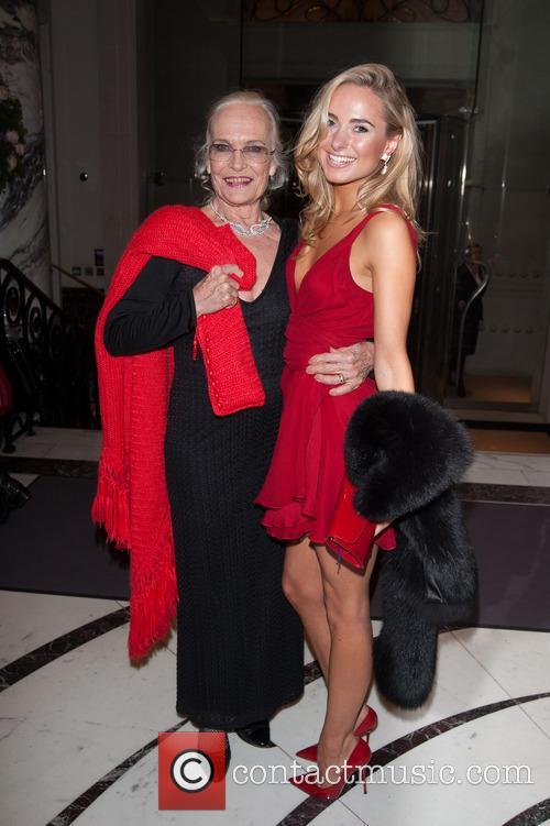 Shirley Eaton and Kimberley Garner 3