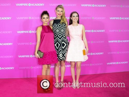 Sarah Hyland, Lucy Fry and Zoey Deutch 2