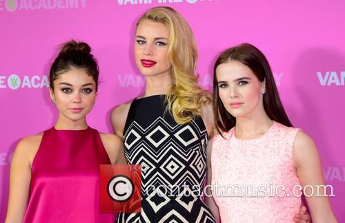 Sarah Hyland, Lucy Fry and Zoey Deutch 6