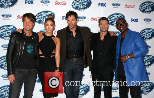 Keith Urban, Jennifer Lopez, Harry Connick Jr, Ryan Seacrest and Randy Jackson 5