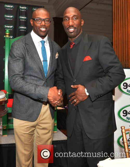 Terrell Owens and Ike Reese 7