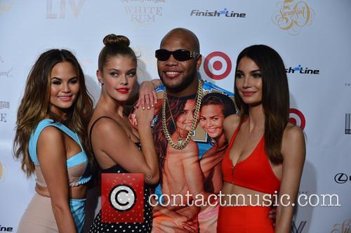 Chrissy Teigen, Nina Agdal, Flo Rida and Lily Aldridge 1