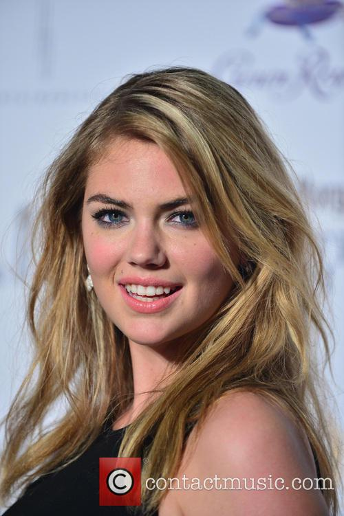 kate upton sports illustrated hosts club si 4080076