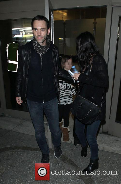 Johnny Mcdaid, Courteney Cox and Coco Arquette 8