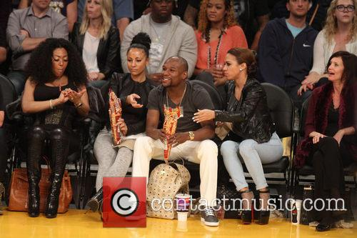 floyd mayweather jr celebrities courtside at 4080727