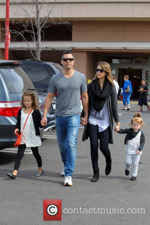 Jessica Alba, Cash Warren, Haven Warren and Honor Warren 10