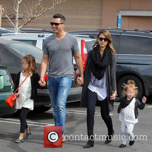 Jessica Alba, Cash Warren, Haven Warren and Honor Warren 11