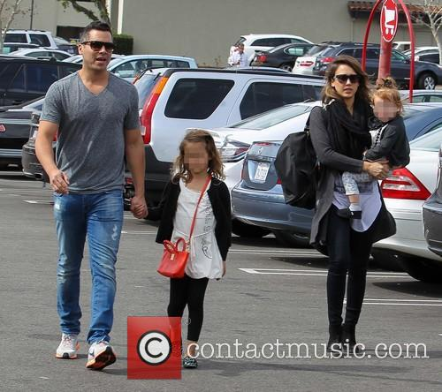 Jessica Alba, Cash Warren, Haven Warren and Honor Warren 1