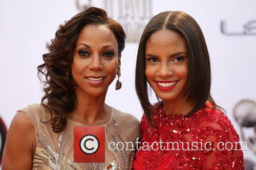 Holly Robinson Peete and Guest 3