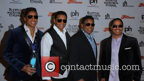 Jermaine Jackson, Jackie Jackson, Tito Jackson and Marlon Jackson 8