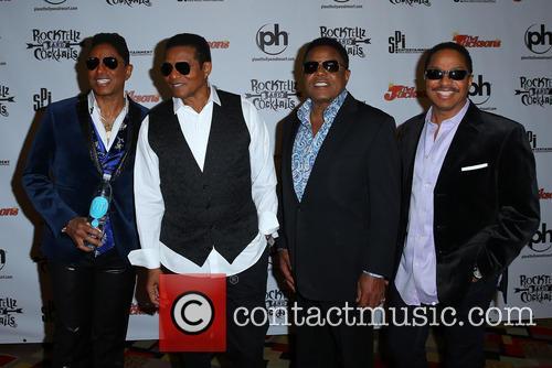 Jermaine Jackson, Jackie Jackson, Tito Jackson and Marlon Jackson 9