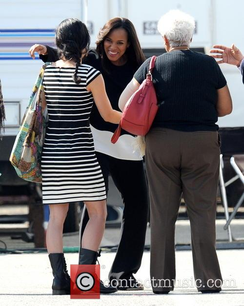 Kerry Washington and Valerie 7