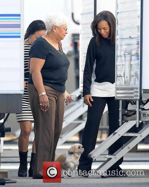 Kerry Washington and Valerie 9