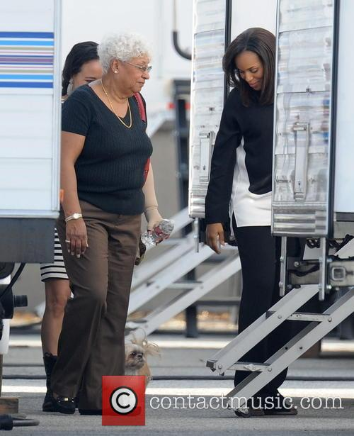 Kerry Washington and Valerie 10