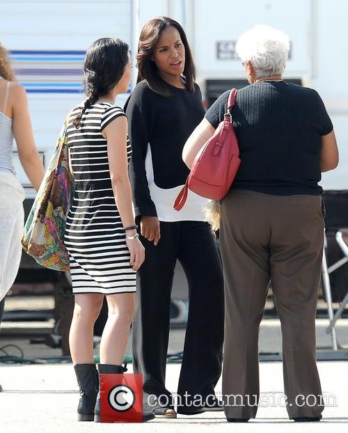 Kerry Washington and Valerie 13