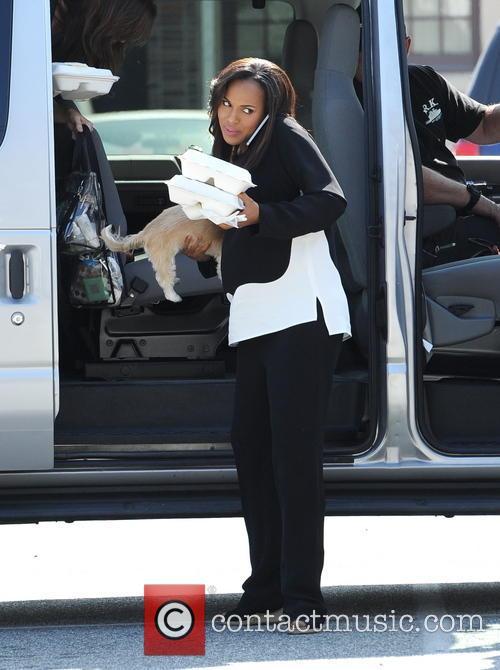 kerry washington pregnant kerry washington carries her 4083690