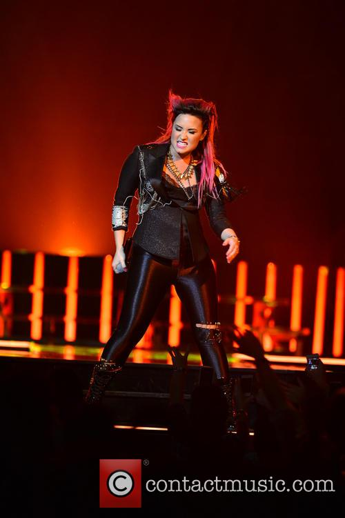 demi lovato demi lovato performing live in 4085693