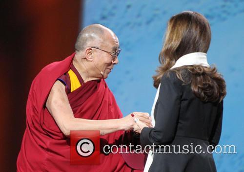His Holiness The 14th Dalai Lama and Maria Shriver 1