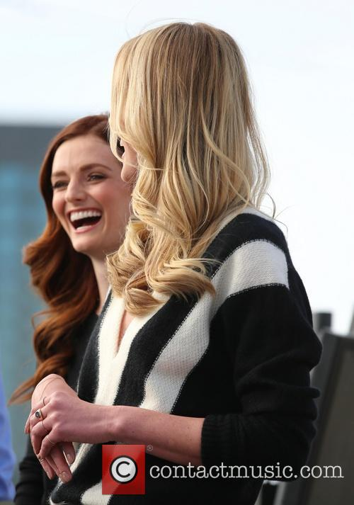 Anne Vyalitsyna and Lydia Hearst 8