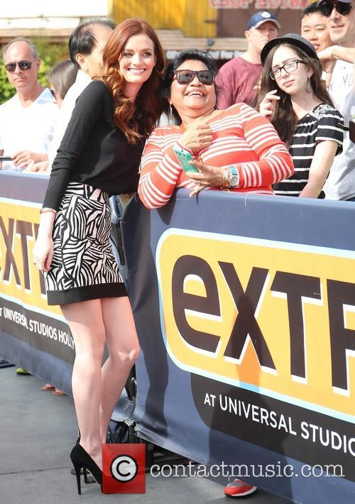 Anne V and Lydia Hearst appear on Extra