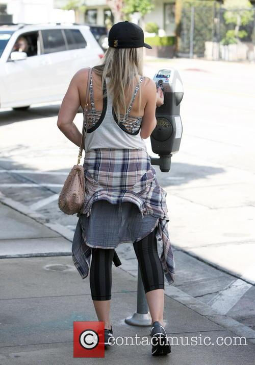 Hilary Duff arrives at the gym in West...