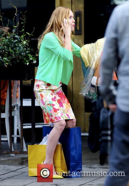 Leslie Mann filming
