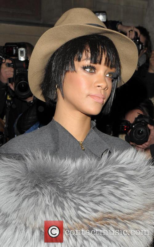 Rihanna, Lanvin Fashion Show