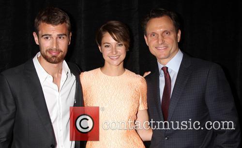 Theo James, Shailene Woodley and Tony Goldwyn 5