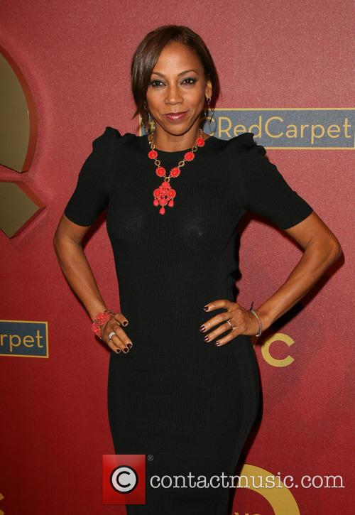 Holly Robinson-peete 2