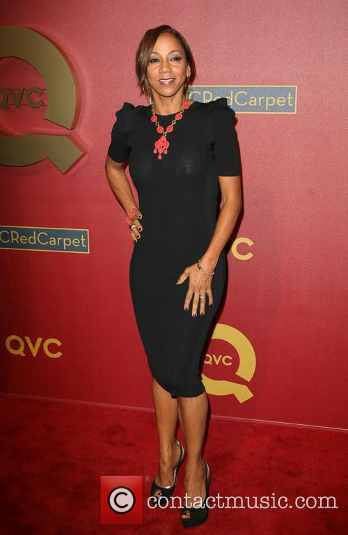 Holly Robinson-peete 4